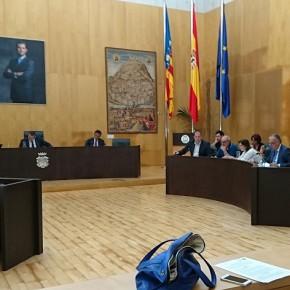 Ciudadanos logra que el pleno de Benidorm deje sobre la mesa el contrato de Playas y apruebe sus tres mociones