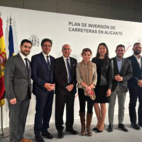 """Marta Martín pide """"que no tengamos que esperar otros 50 años para tener una conexión decente"""" entre el aeropuerto y Alicante y Elche"""