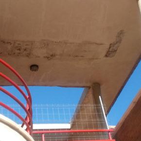 Cs de Cocentaina denuncia la falta de un mantenimiento adecuado en las instalaciones del polideportivo municipal