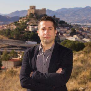 Víctor Sales lamenta que una edil de Compromís recrimine a un vecino haber hablado con la oposición