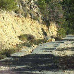 """Rosa García denuncia """"el estado intransitable de la única vía de acceso a uno de los pulmones verdes de Alicante ante la pasividad del Consell"""""""