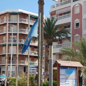 """Cs Torrevieja denuncia que la Concejalía de Playas """"presume de banderas azules sin izarlas en las zonas de baño más representativas"""""""