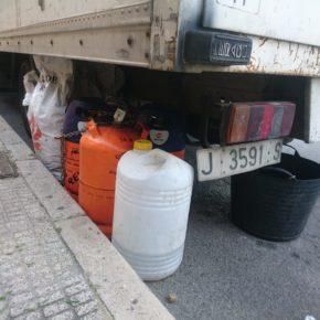 Ciudadanos (Cs) denuncia la pasividad del Gobierno local ante el almacenaje de elementos peligrosos en la vía pública